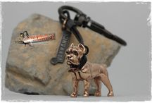 Vakkancs Cane Corso / Mini-sculpture. Bronze keyring and sterling silver pendant. Mini-sculpture. Bronze keyring and sterling silver pendant.