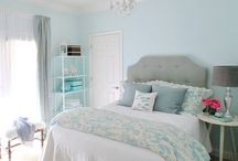 Master Bedroom Interior Inspiration / Home Design inspiration for a relaxing, classic and minimal master bedroom