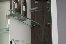 Spiegelkast Deluxe voor badkamer - Thebalux / Spiegelkasten; ideaal om opbergruimte te winnen maar qua design niet altijd vernieuwend. Dit wilden we graag anders zien. Door gebruik te maken van de laatste technieken hebben we een prachtige spiegelkast ontworpen die design én functie samenbrengt.