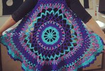 かぎ針編みの曼荼羅