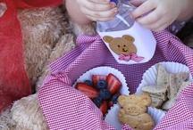 Teaddy Bears indivdual baskets / Picnic baskets