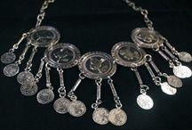 Collares monedas / Collares étnicos