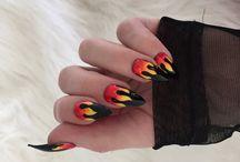 Nails on slay