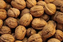 Walnut Tree / http://www.wikifarmer.com/explore/agriculture/trees/walnut-tree/walnut-tree-pests-and-diseases