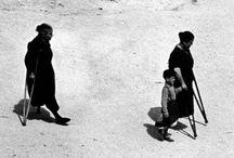 Carlos Pérez Siquier / Carlos Pérez Siquier es considerado uno de los pioneros de la vanguardia fotográfica en España. Ha sido galardonado con el Premio Nacional de Fotografía 2003 en reconocimiento a su continuada trayectoria profesional y a su constante afán de renovación en la búsqueda de nuevos lenguajes fotográficos, así como por la influencia que ha tenido en la fotografía española contemporánea