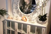 SIDEBOARDS / Sideboards and Display Cabinets