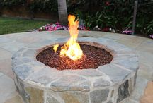 Fire pit and Fireplaces using Exotic Glass / Pictures of Outdoor Fire pits using Exotic Glass. Indoor and Outdoor Fireplaces using Exotic Glass