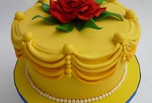 cake decorating ideas / by Suzanne Simpson