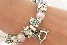 Pandora Armbänder & co