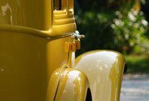 Gelb (yellow) / by Petri Jackowski.
