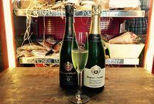 Pub w Warszawie - Bubbles / Nie wiesz dokąd wybrać się wieczorem na drinka podczas swojego pobytu? Wybierz Pub w Warszawie - Bubbles. Niech autorskie drinki bazujące na szampanie i winie musującym sprawią, że poczujesz odrobinę luksusu. Tylko w pubie i restauracji Bubbles! http://bubbles.com.pl/menu/#babelki