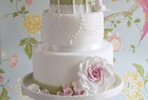 Cakes and Cupcakes / Inspiration Pics / by Natalie Chen