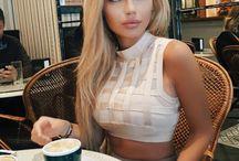 Hot blondes