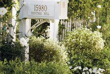 picket fence mailbox