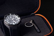 Chronologia Package / Chronologia outdoor and sport watches are inspired by a passion for action oriented sports. From crushing ocean waves to sand storms, Chronologia outdoor watches are shaped for adventure. Through the Trigalight Dive Watch Kickstarter campaign, we introduce to the Kickstarter community the Dive Watches of the SEA Line.