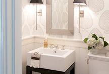 Bathrooms / by Geysa Peeler