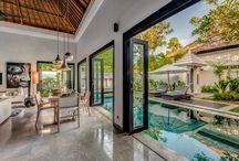 Salones cocina dormitorio con vista a terraza interior