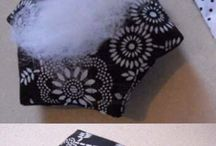 pins cushion
