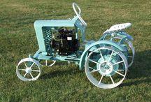 Vintage Tractors / Vanhat vehkeet