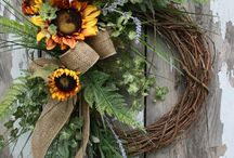 Wreaths & door hangers / by Yvonne Lopez-Silva