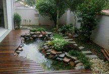 Kolam halaman belakang