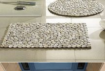 DIY pebble mats