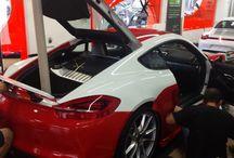 Porsche Cayman de Blanco a Rojo GTS? Car Wrapping by Pronto Rotulo since 1993