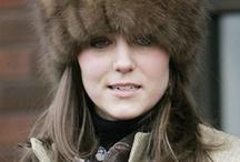 Kate: cappelli e fascinator / Cappelli e fascinator sfoggiati dalla Duchessa di Cambridge negli eventi pubblici e in privato