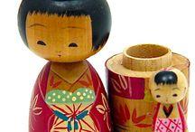 Kokeshi and kimmydolls / Display of japanese Kokeshi and Kimmydolls