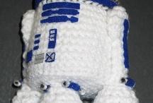Am i guru mi? / Amigurumi is the Japanese art of knitting or crocheting small stuffed animals and anthropomorphic creatures. - wikipedia