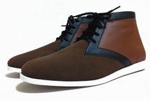 Mekafa Mekasu Brown 100% Genuine Leather / Mekafa Mekasu Brown  Sepatu kulit yang di buat dari kulit Korea Coklat dan Kulit sapi Suede Coklat . Di Desain agar penggunanya agar mudah menggunakan Sepatu kapan dan dimana pun berada. bahan menggunakan 100% kulit sapi(bukan imitasi). Sepatu ini sangat nyaman dipakai ,  100% Genuine Leather Upper : Brown Suede Leather + Brown Leather Insole : Leather + Polyfoam Outsole: Thermoplastic Rubber Size 39-43 Line : cs.mekafa PIN BB : 53C596D4 WA : 085697078592