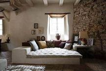 DECOR // Sofa/bed / Turning a bed into a sofa!