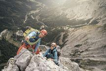 """Klettern / """"Universität des Bergsteigens"""": So wird das Gesäuse seit den Anfängen des Alpinismus genannt. Das Gebiet ist geschichtsträchtig und vor allem legendär. Das spürt man bei jedem Kletterzug. Versprochen!"""