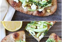 Pizzas and flatbreads / Homemade pizza is incomparable to store-bought. It is so easy - here are some recipes to inspire!