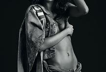LOVE - Jeans / O clássico da moda retratado em grande estilo na Golden Edition Colcci Inverno 2014.