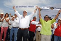 26 08 2012 Los veracruzanos, comprometidos con nuestro desarrollo / El gobernador Javier Duarte de Ochoa entregó, ante cientos de pobladores, un puente peatonal de 100 metros de largo, con una inversión de 25 millones de pesos.
