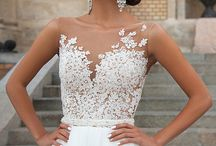 Gorgeous Gowns / Because who doesn't love looking at gorgeous wedding gowns, right?