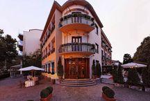 Hotel overview / Uno sguardo all'interno del nostro albergo e della villa. A look inside our hotel and villa.