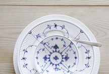 TABLE SETTINGS // BLUE PORCELAIN // ROYAL COPENHAGEN
