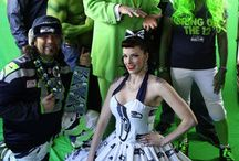Crazy Football Fans / Fans in costumes for the NFL and NCAA