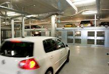 Parcheggi meccanizzati / Impianti di parcheggio meccanizzati progettati per ottenere posti auto ottimizzando al massimo lo spazio disponibile. Sistemi di parcheggio meccanici a scomparsa nel sottosuolo o che sfruttano lo spazio in verticale.