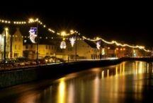 Irish Christmas Lights, Cards and Santas / Ireland looked at by city lights, Santa's and vintage cards