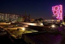 Xipe Tótec / Instalación lumínica del artista Thomas Glassford sobre la torre del Centro Cultural Universitario Tlatelolco