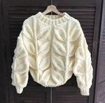 Белые свитера