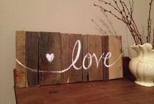 drewniane napisy