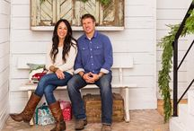 Fixer upper stars' farmhome decorated for christmas