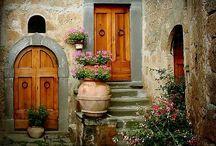 Doors, Stairs, Interior Design, Bathrooms & Kitchens / by Esmée-Rose Siegers