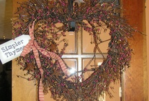 Wreaths And Flower Arrangements / by Lisa Wittlinger