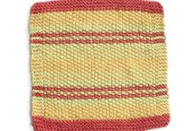 knit/crochet washcloths / by Tina Niesen
