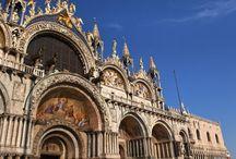 Weekend w Wenecji (mp) / Miłośnikom romantycznych historii z odrobiną dreszczyku, wielbicielom nieco innej architektury, tym, którzy marzą o rejsie gondolą przez urokliwe kanały, amatorom dobrego filmu i wielbicielom karnawałowych zabaw.